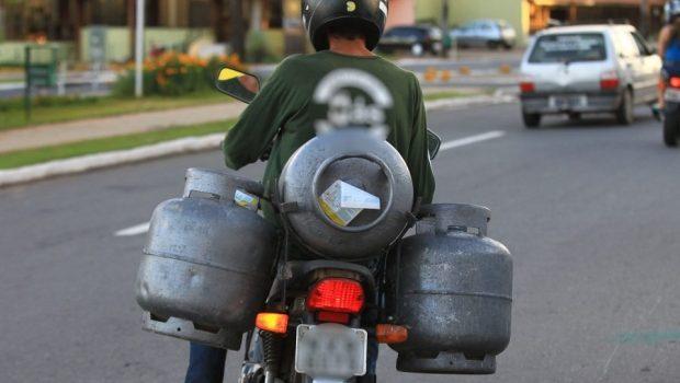 São Paulo aprova lei que proíbe transporte de gás de cozinha em motocicletas